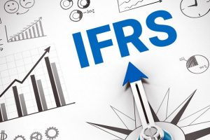 Áp dụng chuẩn mực báo cáo tài chính quốc tế ở các nước và lộ trình thực hiện tại Việt Nam